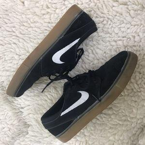 Nike SB Zoom Janoski Shoes